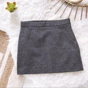 Black & White Gap Herringbone Mini Skirt Size 0